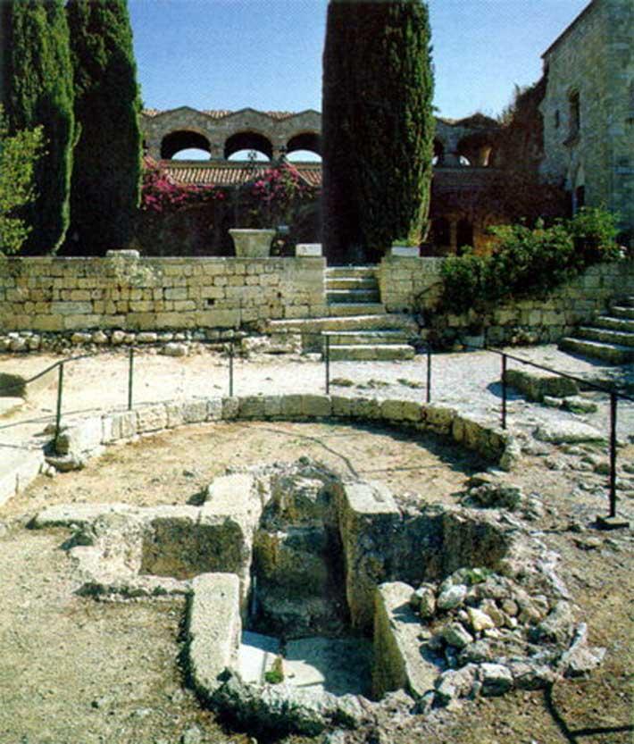 Acrópolis de Ialyssos, en Filerimos Rodas