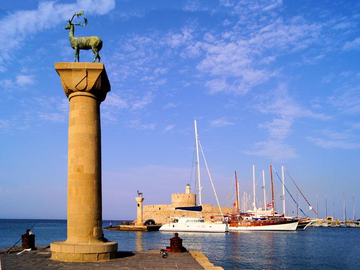 Puerto de Mandraki, Rodas