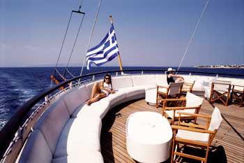 Goleta Galileo | Detalle de la popa del barco, un balcón al mar