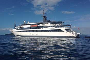 Mega Yate Crucero Variety Voyager