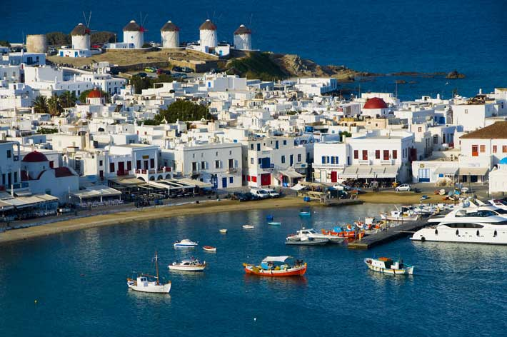 Chora la capital de mykonos grecotour for Casas en islas griegas