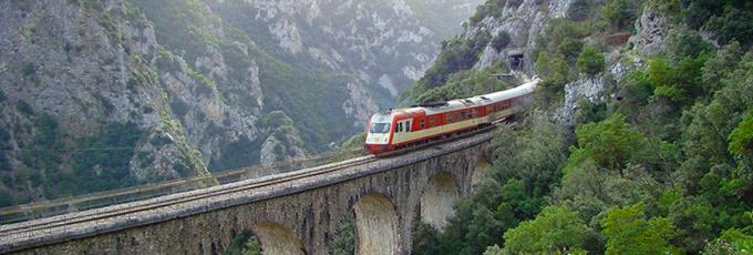Tour Metéora 2 días 1 noche en Tren desde Atenas